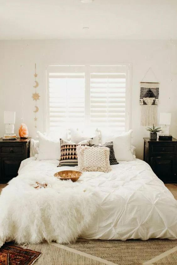 30 Boho chic Bedroom decor ideas and inspiration - simple cozy neutral bohemian decor #homedecorinspo