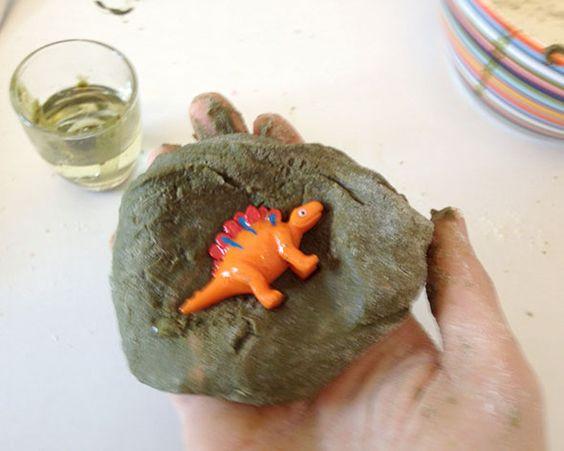 DIY+Freitag:+Dino+Eier+selbst+gemacht!