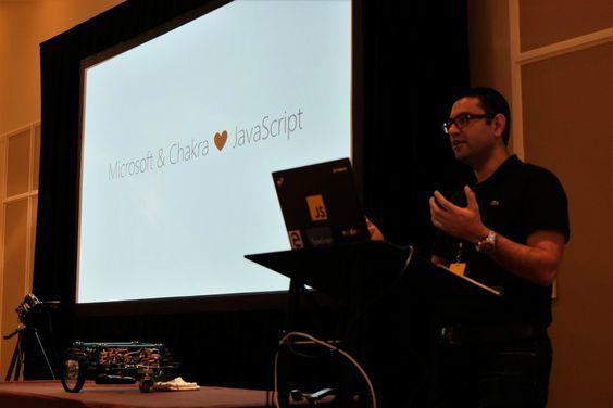 Microsoft will Anfang 2016 die Hauptbestandteile seiner JavaScript-Engine Chakra unter Open-Source-Lizenz veröffentlichen. Chakra ist ein zentraler Bestandteil des Browsers Edge.