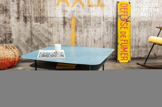 Table basse métal au design industriel. Table de salon pour une déco réto dans…