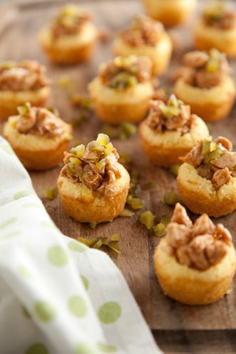 Paula Deen BBQ Chicken in Cornbread Cups
