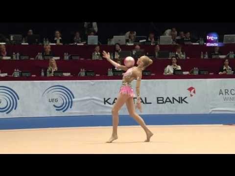 Gimnasia rítmica. Cto Europa 2013. Final Pelota (7-9) Yana Kudryavtseva - YouTube : Its so perfect and beautiful I actually cry! A well deserved 19.000 Yana!