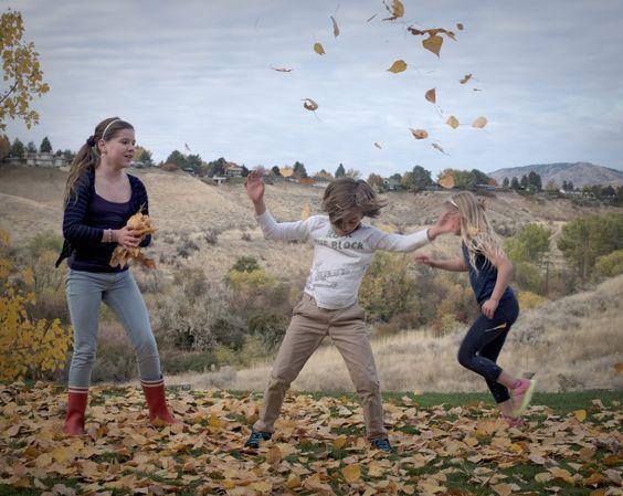 """""""Idaho"""" / Guillaume Zuili / 2014 / Agence VU #littledelight #leaves #children #countryside #game #autumn #USA #Boise"""