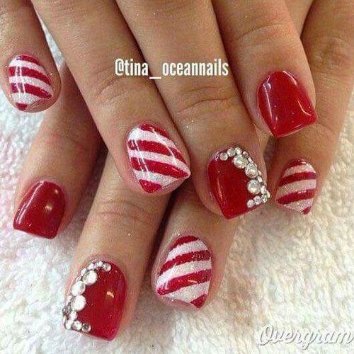 Diy christmas nail art 50 christmas nail designs you can do diy christmas nail art 50 christmas nail designs you can do yourself short nails and top nail solutioingenieria Gallery