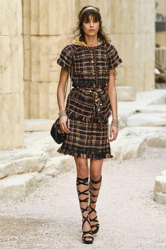 Chanel #VogueRussia #resort #springsummer2018 #Chanel #VogueCollections