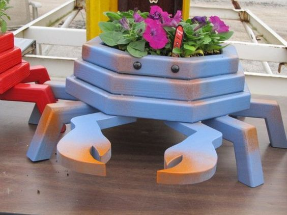 Blue Crab Wooden Planter by LCsWoodtopia on Etsy $50 00