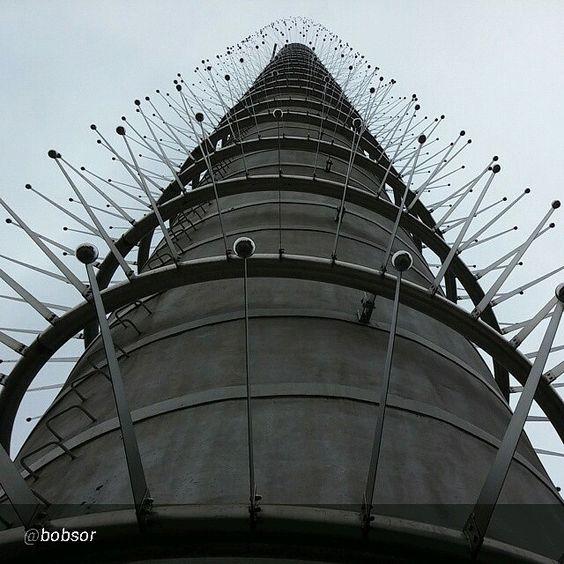 Torino raccontata dai cittadini per #inTO  Foto di bobsor Santo Volto #Torino #Turin #Italia #Italy #architettura #design #exciminiera #campanile #chiesa #church #nonèunaspazzola #parcodora
