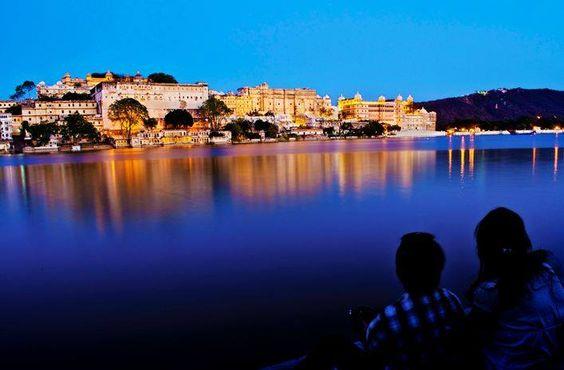 Passez vos prochaines vacances en Inde avec OmVoyage.net, un circuit complet au pays des Maharajas avec les plus belles étapes du Rajasthan évocatrices de légendes et d'histoire. Vous allez découvrir les plus belles villes de la région hautes en couleurs comme Jaipur, la ville rose ; Jodhpur la bleue, Udaipur la blanche et Jaisalmer la jaune ...sans oublier Agra et son époustouflant Taj Mahal et d'autres lieux tout autant prestigieux !  Par ici >> http://omvoyage.net/package.php