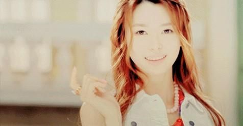 Left Handed Kpop Idols Kpop Idol Famous Left Handed