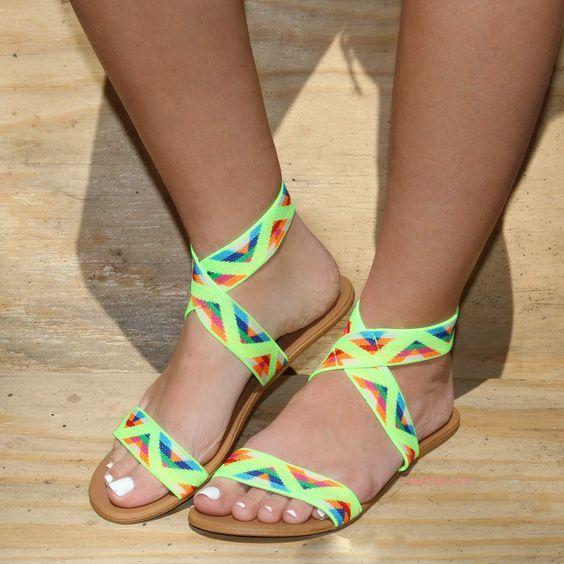 2020 Sandalet Modelleri Neon Kalin Kemerli Desenli Lastikli Sandalet Bayan Ayakkabi Neon