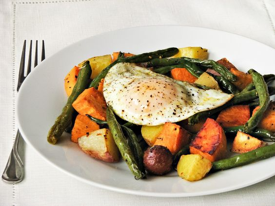 What's for dinner?: Meatless Wednesday! veggies with sunny side up egg