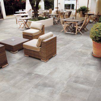 Un Carrelage De Terrasse Aspect Beton Decoceram Home Decor Outdoor Furniture Sets Outdoor Furniture