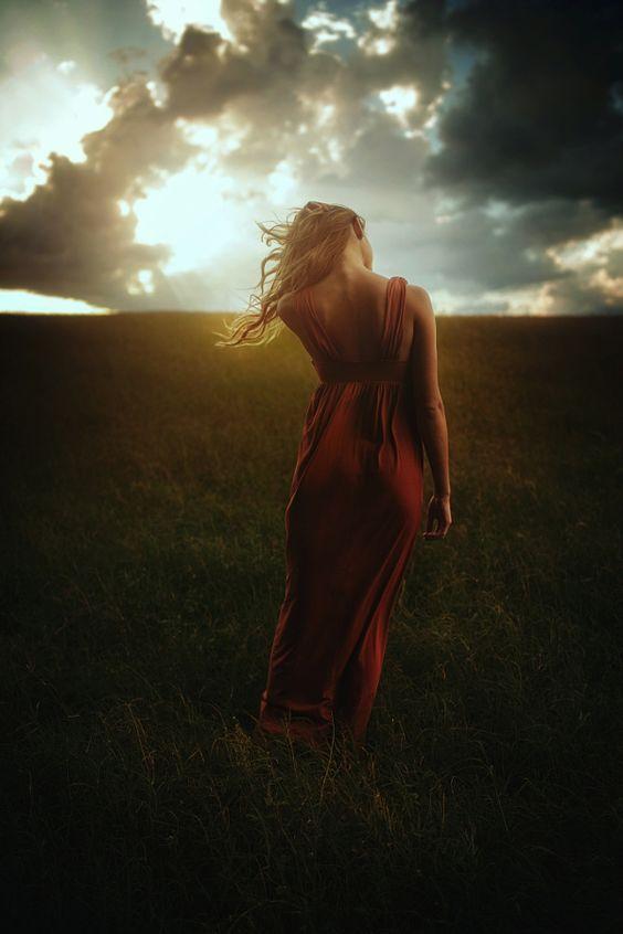 Not My Time by TJ Drysdale - Photo 156699777 - 500px - retrato - retratos femininos - ensaio feminino - ensaio externo - fotografia - ensaio fotográfico - book - backlight - sol