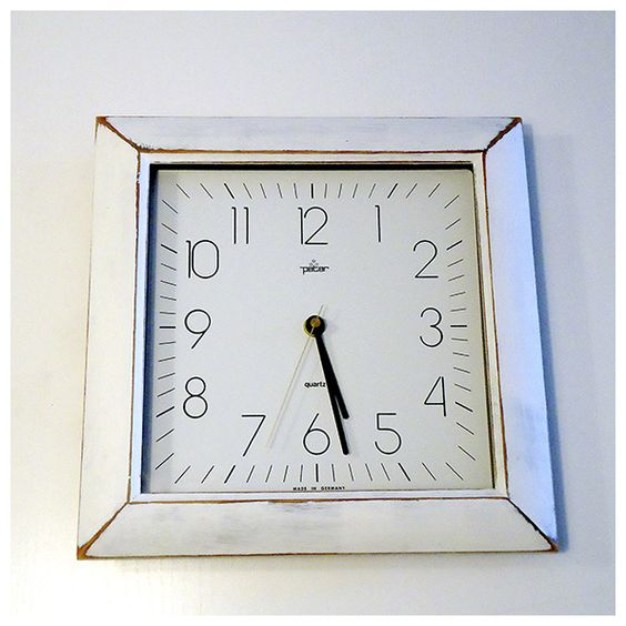 Reloj de pared de madera estilo vintage con ChalkPaint