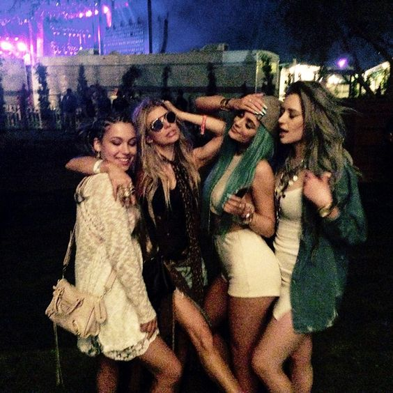 Kylie and Fergie in the center @Coachella 2015