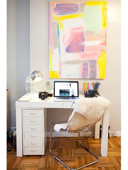 blogger alexandra heitz's apartment. love this home office!