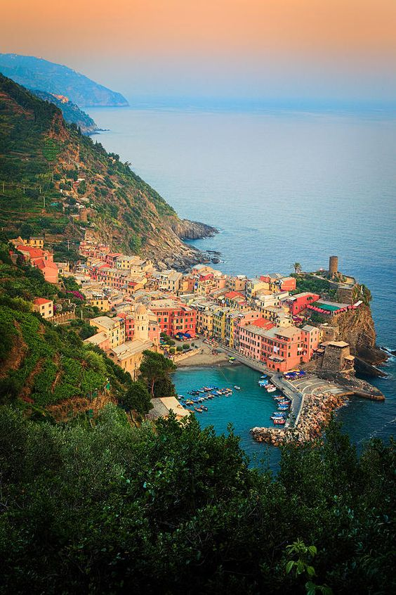 Afternoon at Vernazza Marina. Vernazza is a small town in Italy's Cinque Terre National Park - awesome picture!