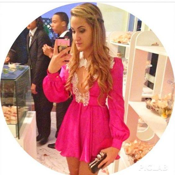 Vestido lindo, e detalhe já esse look na Marina Ruy Barbosa
