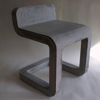 Cadeira de concreto por Metrofarm # # # projeto de loft estilo restaurante # # # minimalista decoração de loja # # # idéia de projeto de arquitetura criativa café # # # # # interior de betão #beton #concrete #art #diy #idea #likebeton #design #cemento #chair #stool #furniture #industrial