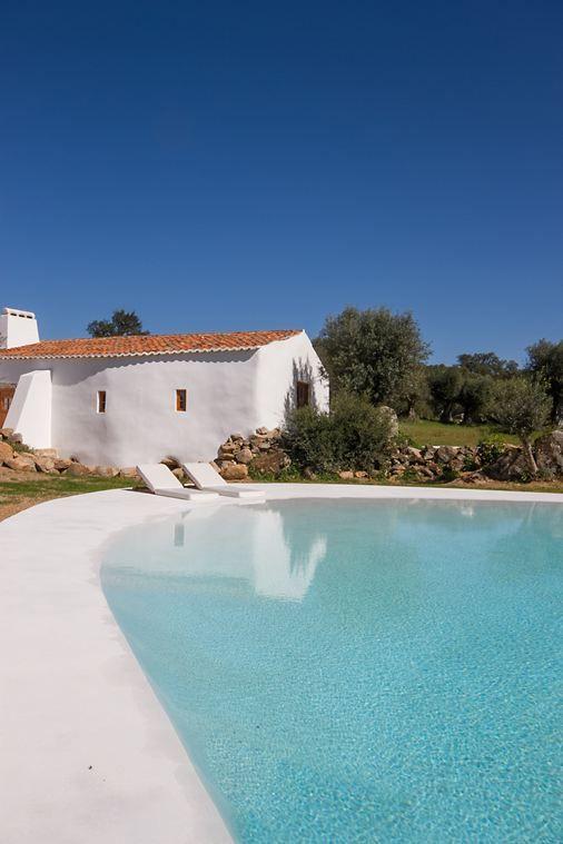 Mediterraner Pool ...