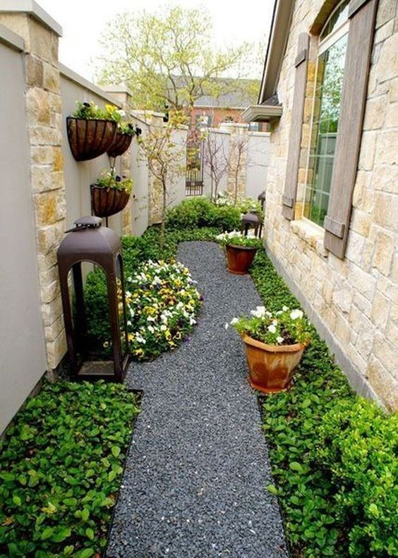 Yard Landscaping On A Budget Diy Yard Landscaping In 2020 Small Backyard Gardens Side Yard Landscaping Small Garden Design