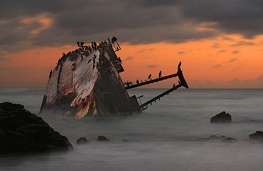 Ship Wrecks Photos