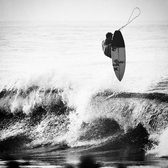 #surf #surfer #surfing #surfergirl #extreme #wave #blackandwhite #ingravidos III