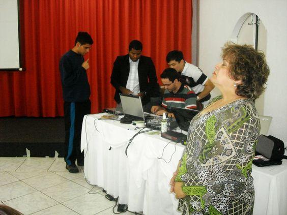 IRUACI CARVALHO-Treinadora Comportamental                                     Palestrante e Coach: Bom dia! Vivi vários anos da minha vida reclamando...