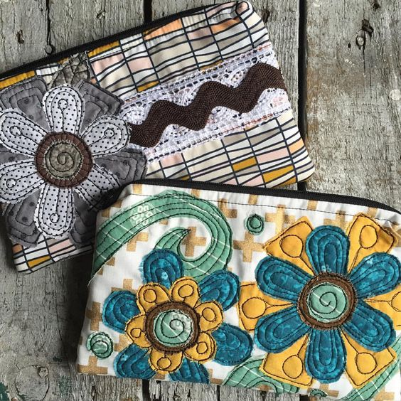 New zipper bags will be added to my etsy shop on Thursday. I'm having fun with my new fabric!
