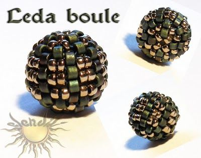 """""""Leda Boule"""" = Leda Ball tutorial available via diagrams (In Spanish), 2 pages. Posted by Elendili Bisart 16 de mayo de 2010 = 16 May 2010. Uses 10 mm ball, 11/o delicas and 15/o rocailles."""