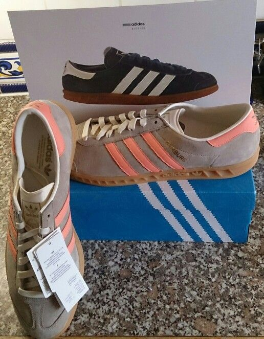THE FIRST PURCHASES OF WHAT I'M CALLING 'MAD JULY' HAVE ARRIVED - THE FIRST OF THREE, POSSIBLY FOUR PAIRS OF HAMBURGS ARRIVING IN JULY! THIS PAIR ARE FINISHED IN CARGO KHAKI /SEMI FLASH ORANGE/GUM SOLES IN ADIDAS SPEAK!