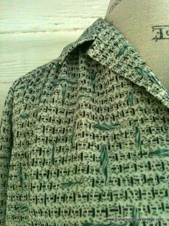 Vintage 70s Green and White RETRO Shirt by runaroundsuevintage, $14.00