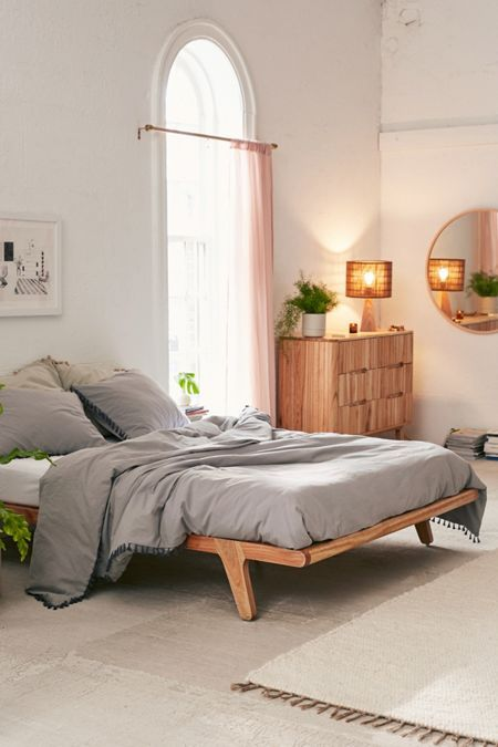 Bohemian Platform Bed With Images Apartment Decor Home