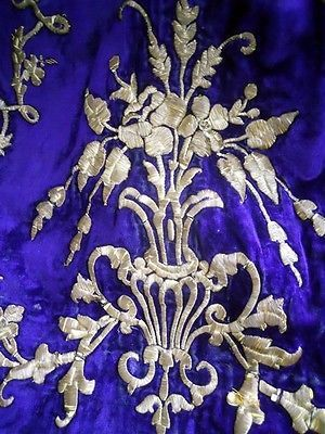 Antique-ottoman-silk-velvet-dress-and-gold-metallic-embroidery-18th-century