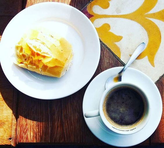 E o dia começou! Muito café na veia pra mais uma maratona de bazar online. Se ainda não está por dentro vai em nosso perfil e clica no link! #rustminer #upcycle #reuso #upcycling #sustentabilidade #sustentavel #handmade #feitoamao #cafe #coffee #bomdia #goodmorning #goodvibes #manha #bread by rustminer http://ift.tt/1W61FDb