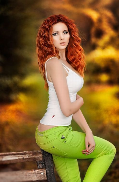 Sexy, Pretty redhead and Women's fashion on Pinterest