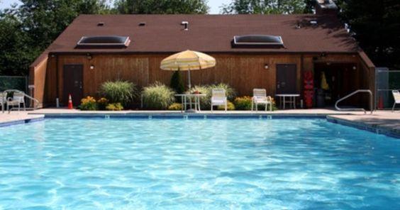 Cómo reducir el pH en las piscinas