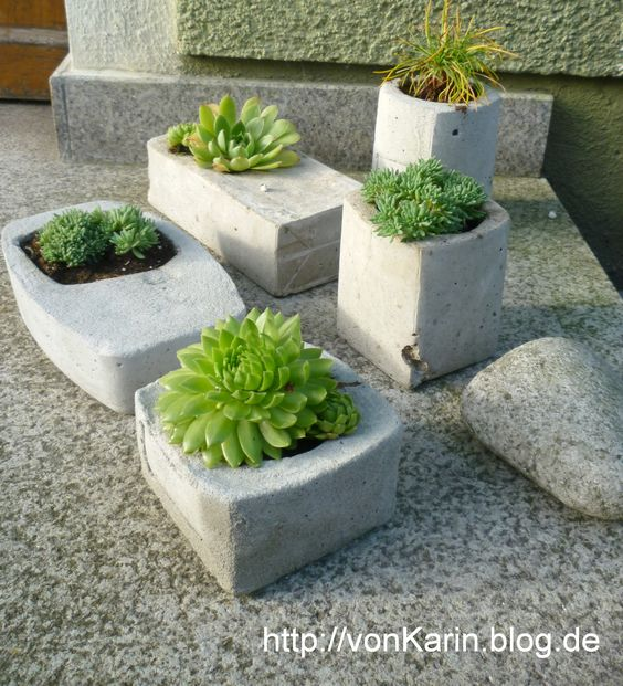 pflanzgef e aus beton selbstgemacht concrete planters diy betonarbeiten pinterest. Black Bedroom Furniture Sets. Home Design Ideas