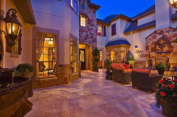 Love the outside courtyard area