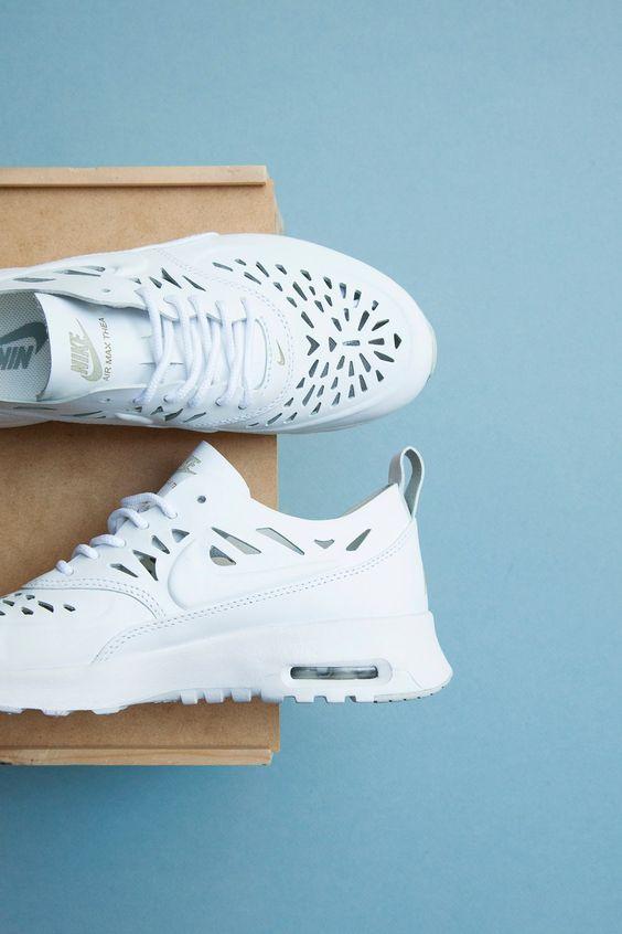 Nike Thea Joli Pas Cher