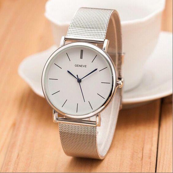 Relógios feminino prata e caixa branca