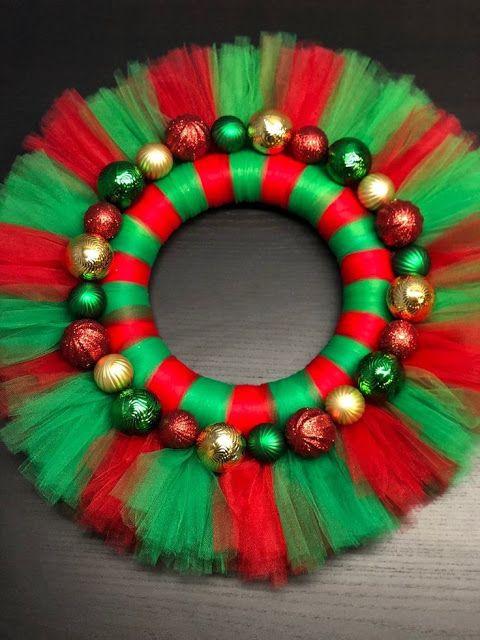 Ideas Para Trabajar En Casa Como Hacer Coronas Navideñas De Tul Para Vender Christmas Wreaths Christmas Wreaths Diy Christmas Tulle Wreath