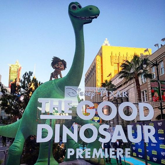 Hello from the Green Carpet World Premiere of Disney Pixar's #TheGoodDinosaur! Give regalmovies a follow on Snapchat to see our fun interviews with the stars! #RegalAllAccess #LoveRegal