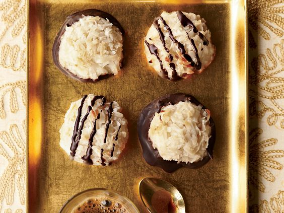 Coconut Macaroons | These sweet and chewy, five-ingredient macaroons are topped with a delicious bittersweet-chocolate drizzle.