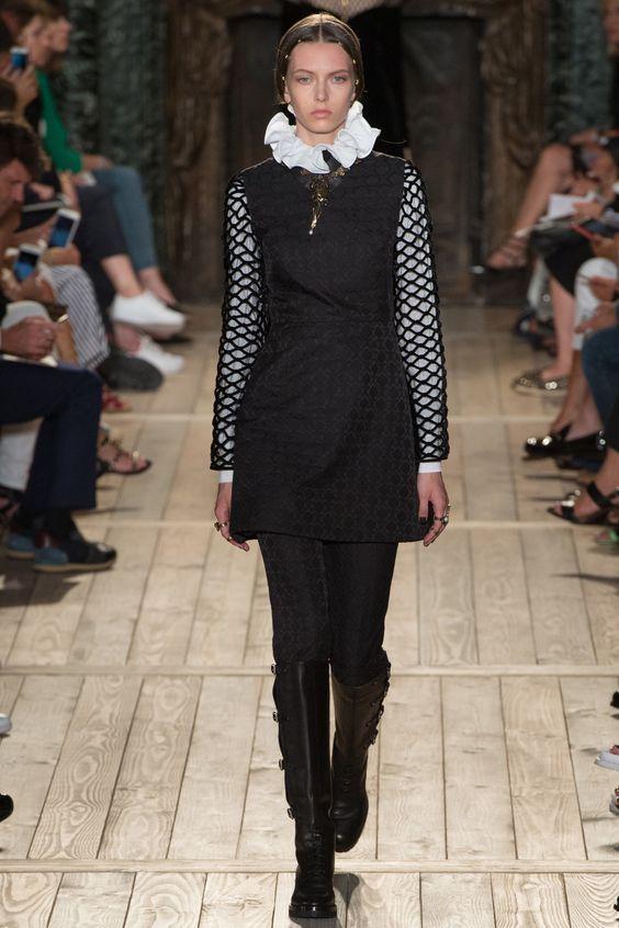 Valentino Fall 2016 Couture Fashion Show - Gerda Mic