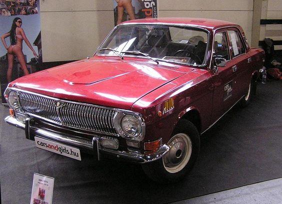 Volga M24, schön restauriert. Foto: Carstyling Tuning Show , März, 2011