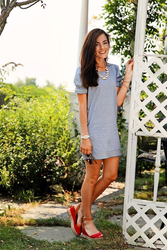 Fashion: Simple but pretty summer Sunday outfit from Classy Girls Wear Pearls