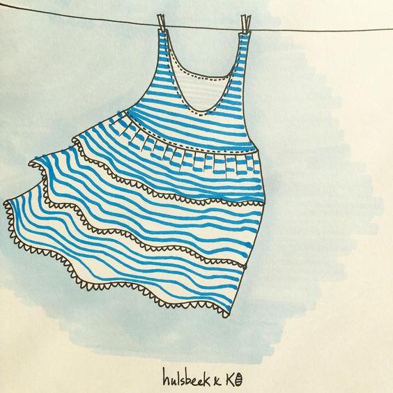 It's a day for a summer dress! Doodle nr.12/365 #hulsbeekenko #365doodleswithjohannafritz #illustration #illustratie #doodle #dress #summer