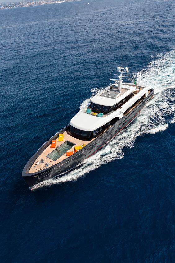 Новая 44,8-метровая супер-яхта Logica 147/01 от итальянской верфи Logica Yachts - подробнее на портале www.ruYachts.com #yachts #yacht #superyachts #superyacht #yachting