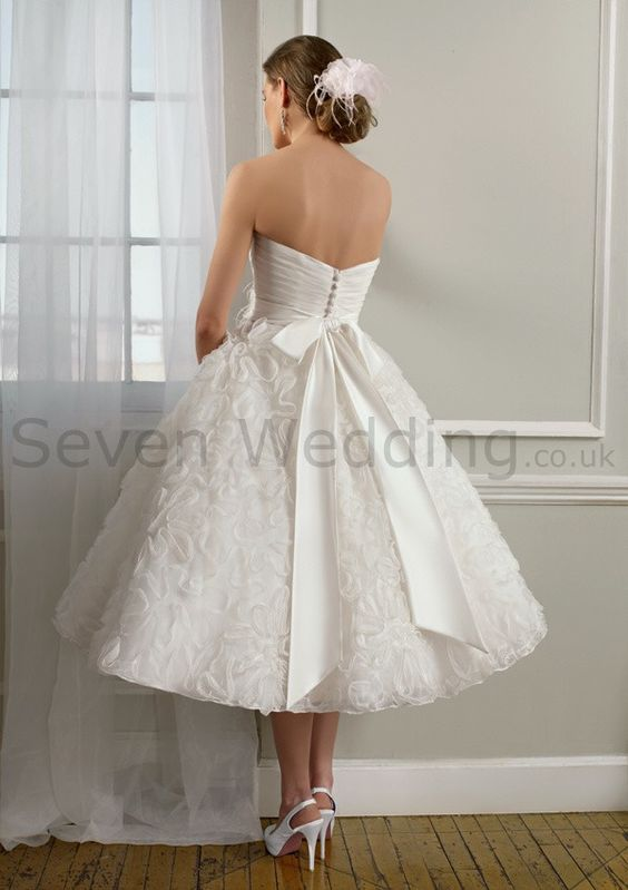 Tea length wedding dresses for older brides line for How to shop for a wedding dress